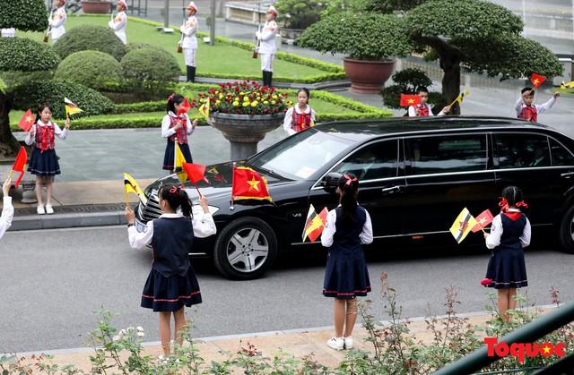 Tổng Bí thư, Chủ tịch nước Nguyễn Phú Trọng chủ trì Lễ đón chính thức Quốc vương Brunei thăm cấp Nhà nước tới Việt Nam - Ảnh 5.