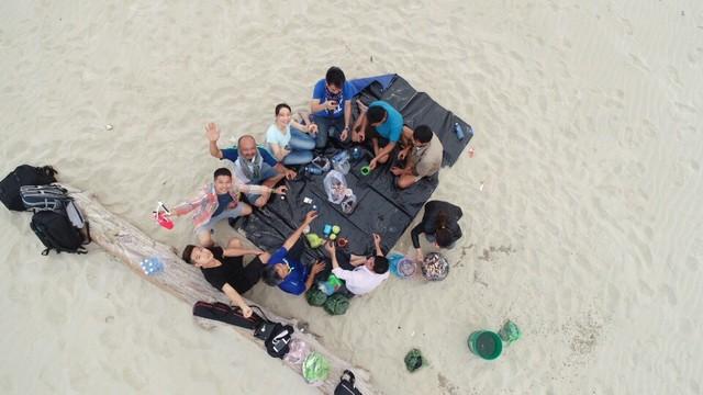 Hiện tượng chưa thể lý giải: Đảo cát nổi giữa vùng biển Cửa Đại dài 3.000m - Ảnh 3.
