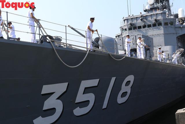 Hình ảnh hai tàu khu trục Nhật Bản cập cảng Tiên Sa - Đà Nẵng - Ảnh 7.