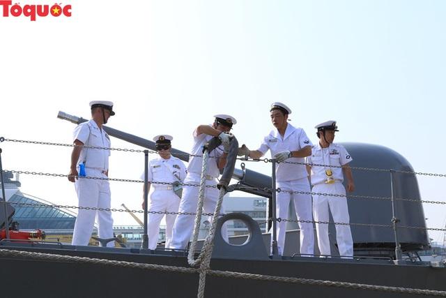 Hình ảnh hai tàu khu trục Nhật Bản cập cảng Tiên Sa - Đà Nẵng - Ảnh 8.