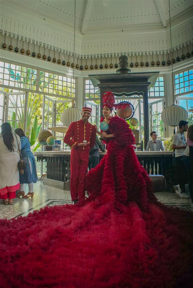Hé lộ những hình ảnh đầu tiên của đám cưới đại gia Ấn Độ tại JW Marriott Phu Quoc Emerald Bay - Ảnh 3.