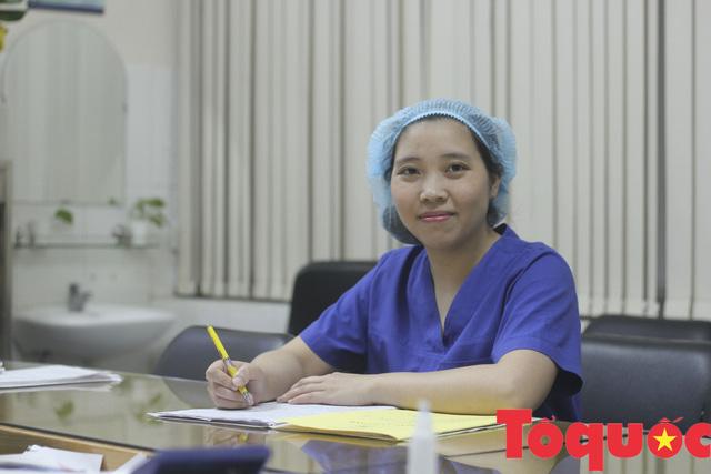 Ngày Quốc tế phụ nữ: Nghe nữ bác sĩ khoa sản kể chuyện buồn vui của nghề - Ảnh 1.