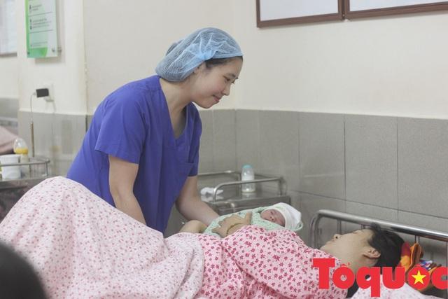 Ngày Quốc tế phụ nữ: Nghe nữ bác sĩ khoa sản kể chuyện buồn vui của nghề - Ảnh 2.