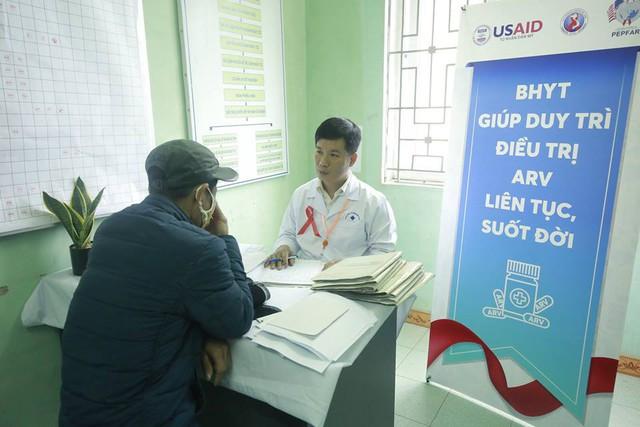 188 cơ sở y tế trên toàn quốc điều trị ARV cho bệnh nhân HIV thông qua BHYT bắt đầu từ 8/3 - Ảnh 2.