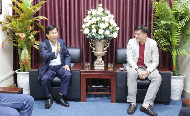 """Bộ trưởng Nguyễn Ngọc Thiện: """"Cần phải xử lý nghiêm khắc những hành vi thô bạo trong bóng đá"""" - Ảnh 1."""