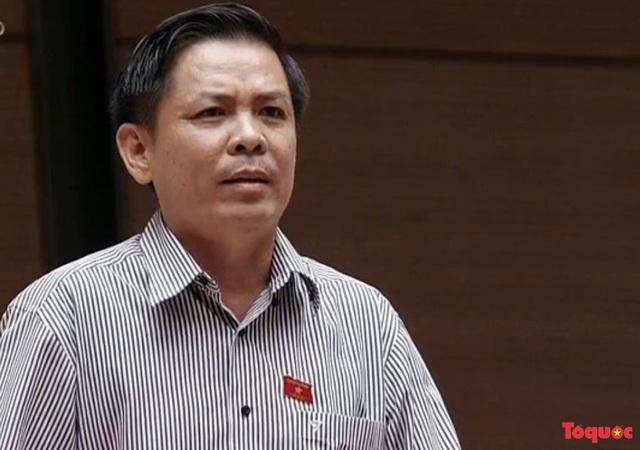Sau đề xuất người mất bằng lái xe phải thi lại, Bộ trưởng Nguyễn Văn Thể nói gì? - Ảnh 1.