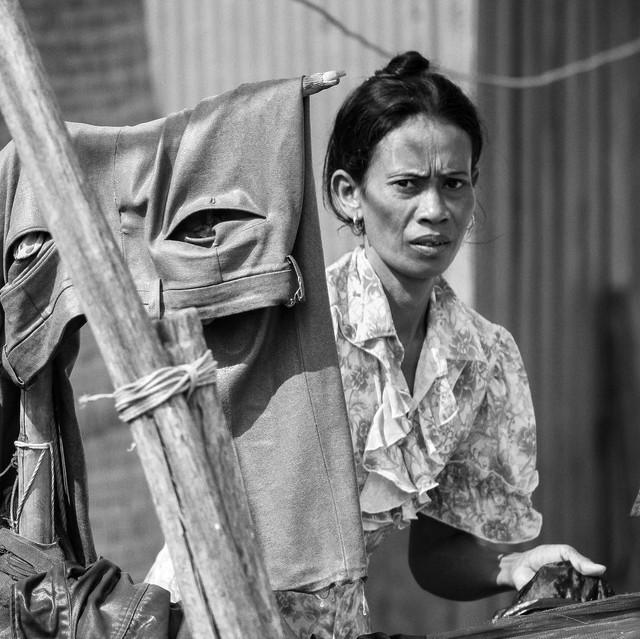 Nhà văn Nguyễn Ngọc Tư viết về ngày 8/3: Phụ nữ tự tại và tự trọng không phải ngồi chờ được tặng quà! - Ảnh 4.