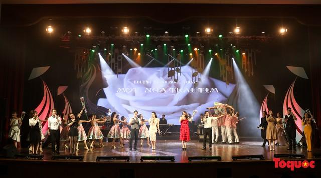 Sâu lắng và ý nghĩa trong đêm nhạc Một nửa trái tim - món quà dành cho một nửa thế giới - Ảnh 10.