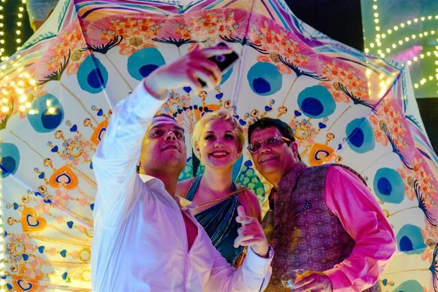 Cận cảnh bữa tiệc đầu tiên trong đại tiệc cưới của cặp tỷ phú Ấn Độ bên trong khu nghỉ dưỡng bên bãi Kem - Ảnh 7.