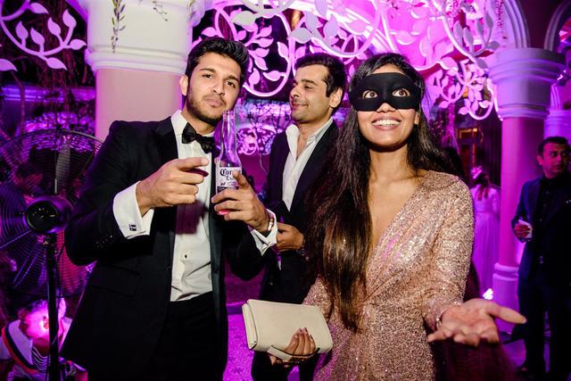 Cận cảnh bữa tiệc đầu tiên trong đại tiệc cưới của cặp tỷ phú Ấn Độ bên trong khu nghỉ dưỡng bên bãi Kem - Ảnh 9.