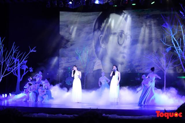 Ngập tràn cảm xúc trong đêm nhạc Em còn nhớ hay em đã quên  tưởng nhớ nhạc sĩ Trịnh Công Sơn - Ảnh 5.