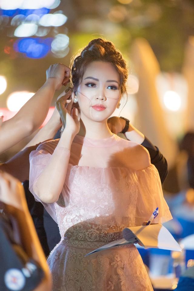Á hậu Thụy Vân tiết lộ cách ứng xử của HHen Niê khi được phỏng vấn khiến nhiều người bất ngờ - Ảnh 4.