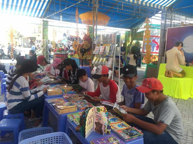 Kiên Giang: Tiếp tục xây dựng và phát triển văn hóa, con người Việt Nam đáp ứng yêu cầu phát triển bền vững đất nước - Ảnh 3.