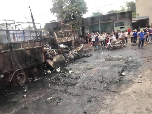 Thanh Hóa: Xe bốc cháy sau va chạm giao thông, 2 người chết cháy trong cabin - Ảnh 5.