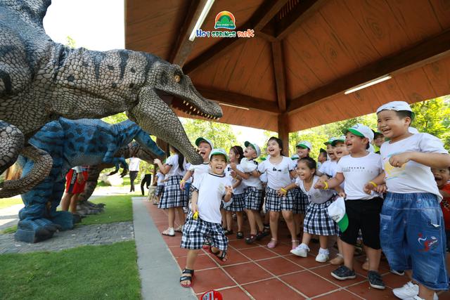 20.000 vé vào cổng miễn phí tại Công viên suối khoáng nóng Núi Thần Tài cho các bạn nhỏ trải nghiệm công viên Khủng Long dịp lễ 30/4 – 01/5 - Ảnh 1.