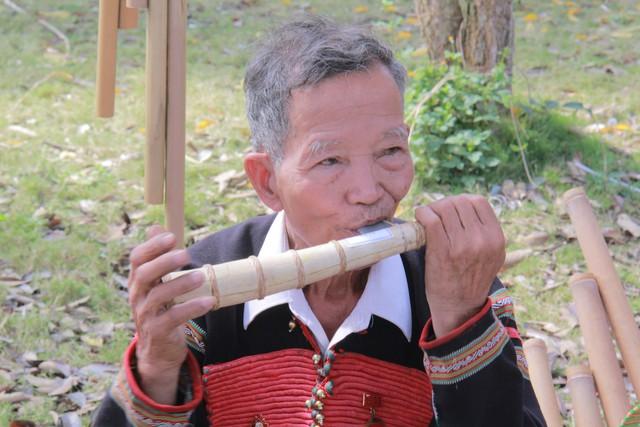 Giới thiệu âm nhạc dân gian truyền thống của đồng bào các dân tộc tại Ngôi nhà chung - Ảnh 1.