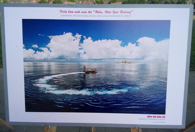 Vẻ đẹp Biển, đảo quê hương hội tụ về trước Quảng trường Ngọ Môn Huế - Ảnh 2.