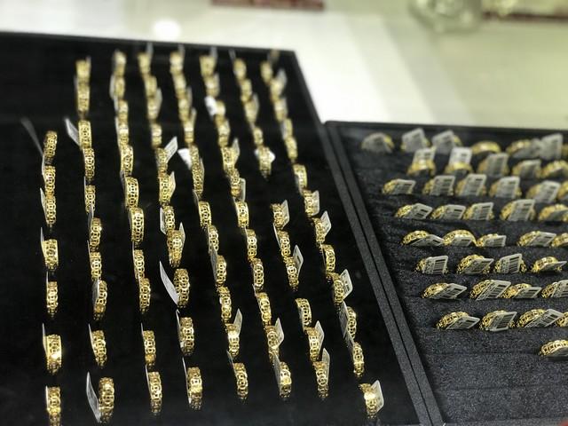 Trung Quốc mạnh tay gom vàng: Chuyên gia dự báo giá vàng? - Ảnh 1.