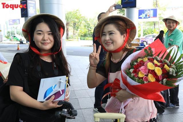 Đà Nẵng chào đón chuyến bay AirAsia đầu tiên từ Chiang Mai - Ảnh 2.