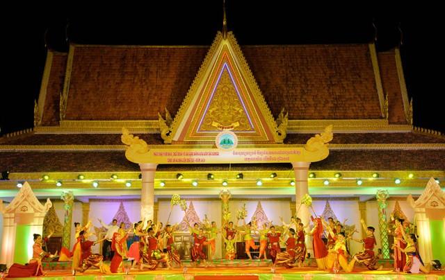 Ngày hội Văn hóa, Thể thao và Du lịch đồng bào dân tộc Khmer tỉnh An Giang - Ảnh 1.