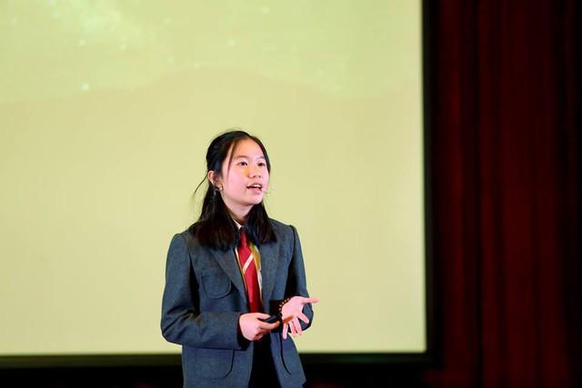 """Cô bé 14 tuổi báo động vấn đề """"ô nhiễm ánh sáng"""" trên sân khấu TEDX - Ảnh 1."""