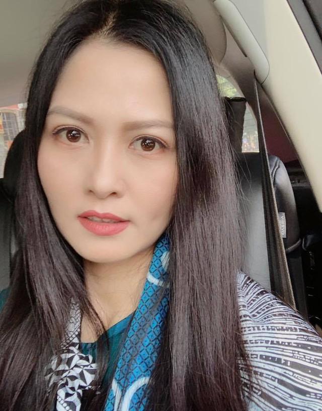 Nhan sắc xinh đẹp của vợ NSƯT Trung Anh - Ảnh 2.