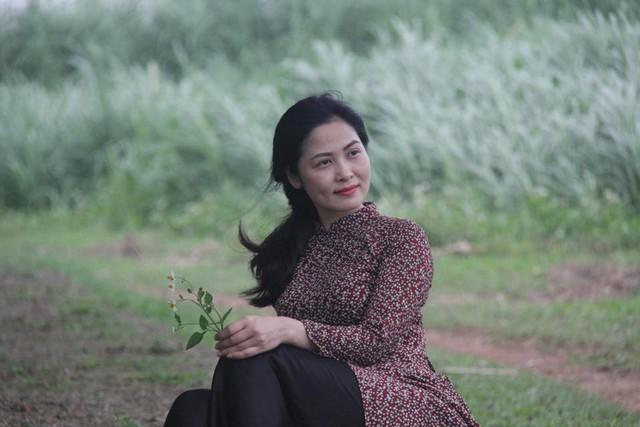 Nhan sắc xinh đẹp của vợ NSƯT Trung Anh - Ảnh 7.