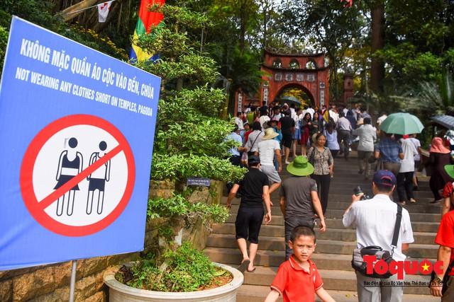 Hàng vạn người về dự Lễ hội Đền Hùng trước ngày Giỗ Tổ - Ảnh 5.