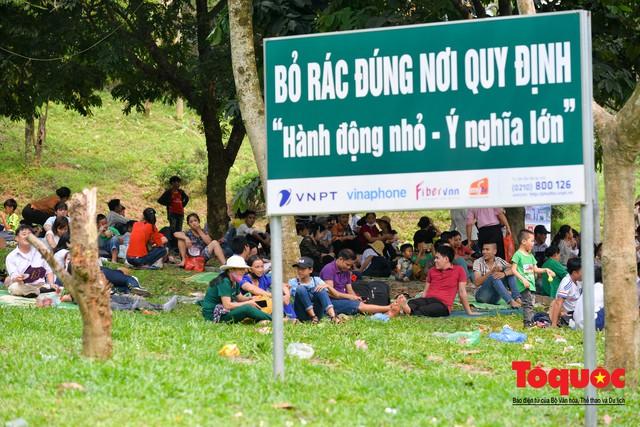 Hàng vạn người về dự Lễ hội Đền Hùng trước ngày Giỗ Tổ - Ảnh 9.