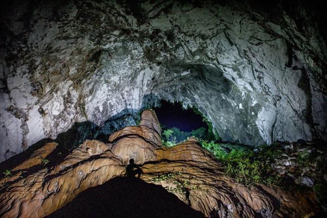 Du lịch Sơn Đoòng: Niềm mơ ước của nhiều du khách trong và ngoài nước - Ảnh 2.