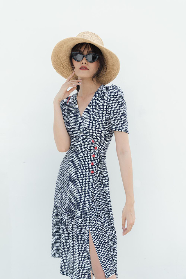 Những mẫu trang phục gây sốt dịp đầu hè của Tăng Thanh Hà - Ảnh 2.