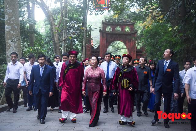 Lãnh đạo Đảng, Nhà nước dâng hương tưởng nhớ các Vua Hùng - Ảnh 3.
