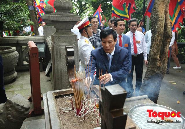 Lãnh đạo Đảng, Nhà nước dâng hương tưởng nhớ các Vua Hùng - Ảnh 9.