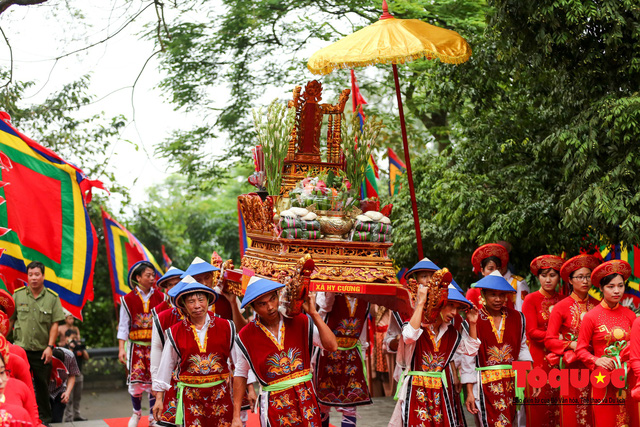 Lãnh đạo Đảng, Nhà nước dâng hương tưởng nhớ các Vua Hùng - Ảnh 4.