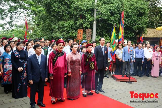 Lãnh đạo Đảng, Nhà nước dâng hương tưởng nhớ các Vua Hùng - Ảnh 6.
