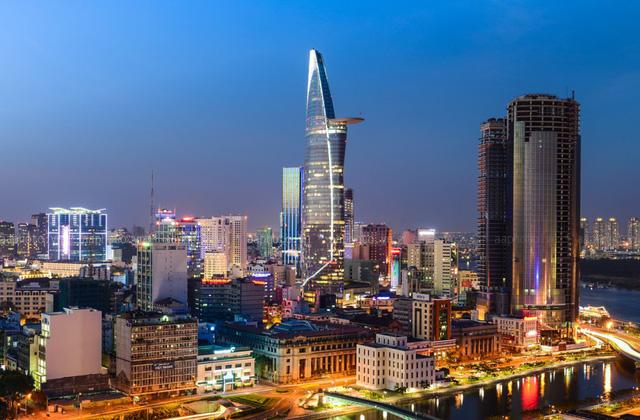 Áp đảo Lotte và AEON, Vincom sở hữu 1,2 triệu mét vuông bất động sản, chiếm 60% thị phần trung tâm thương mại ở Hà Nội và Thành phố Hồ Chí Minh - Ảnh 1.