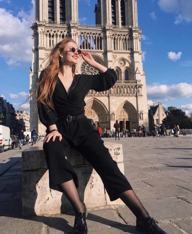 Đám cháy đã phá hủy Nhà thờ Đức Bà ở Paris: Nơi đây từng là biểu tượng của sự bình yên của cả nước Pháp - Ảnh 14.