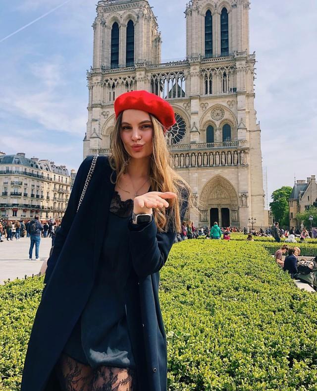 Đám cháy đã phá hủy Nhà thờ Đức Bà ở Paris: Nơi đây từng là biểu tượng của sự bình yên của cả nước Pháp - Ảnh 18.