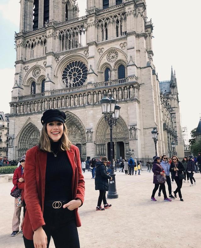 Đám cháy đã phá hủy Nhà thờ Đức Bà ở Paris: Nơi đây từng là biểu tượng của sự bình yên của cả nước Pháp - Ảnh 19.