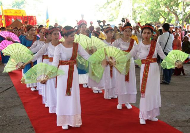 Bình Thuận: Tổ chức nhiều hoạt động phục vụ khách du lịch tại tháp Pô Sah Inư - Ảnh 1.
