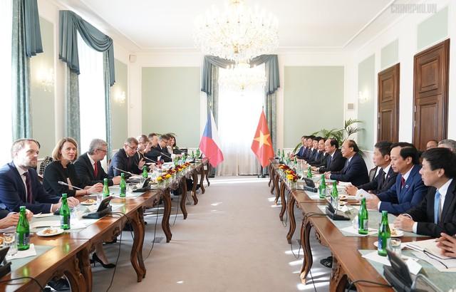 Thủ tướng Cộng hòa Czech chủ trì lễ đón chính thức Thủ tướng Nguyễn Xuân Phúc - Ảnh 5.