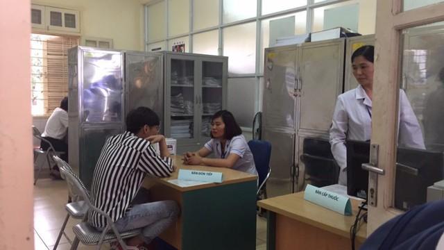 Lần đầu tiên, Hà Nội cấp miễn phí thuốc phòng ngừa HIV - Ảnh 1.