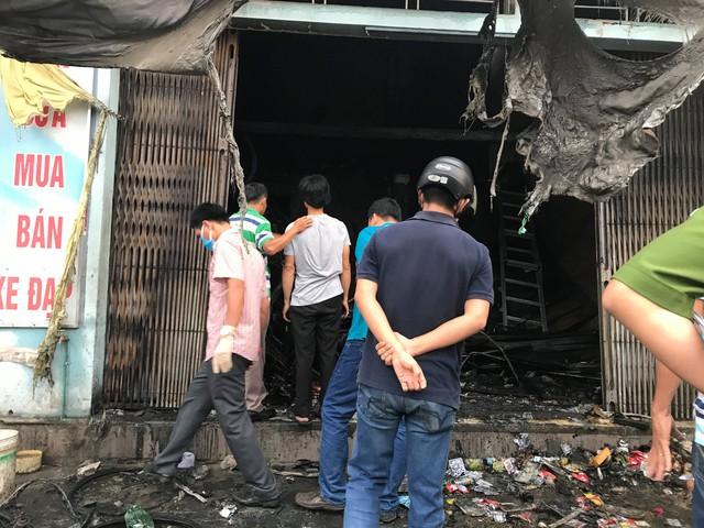 Thừa Thiên Huế: Cửa hàng xe đạp điện cháy lớn trong đêm, 3 người tử vong - Ảnh 3.