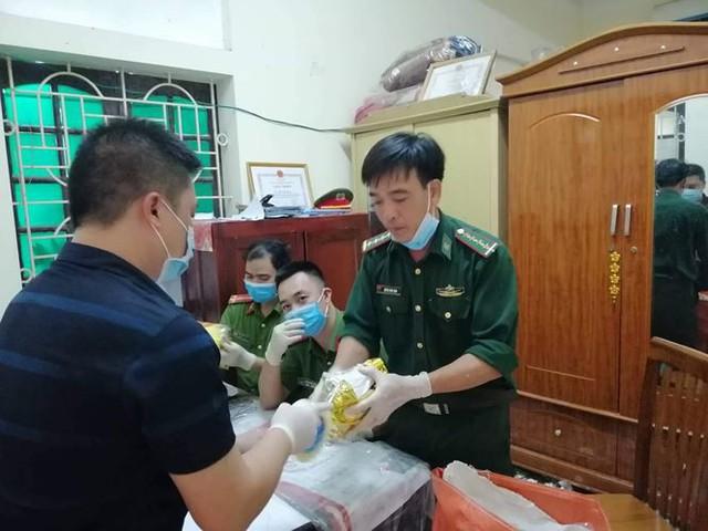 Nghệ An: Bắt gần 1,7 tấn ma túy ngụy trang trong loa thùng, có đối tượng người nước ngoài cầm đầu - Ảnh 3.