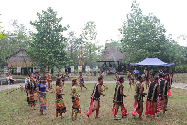 Độc đáo Lễ hội cúng cơm mới của dân tộc Xtiêng - Ảnh 3.