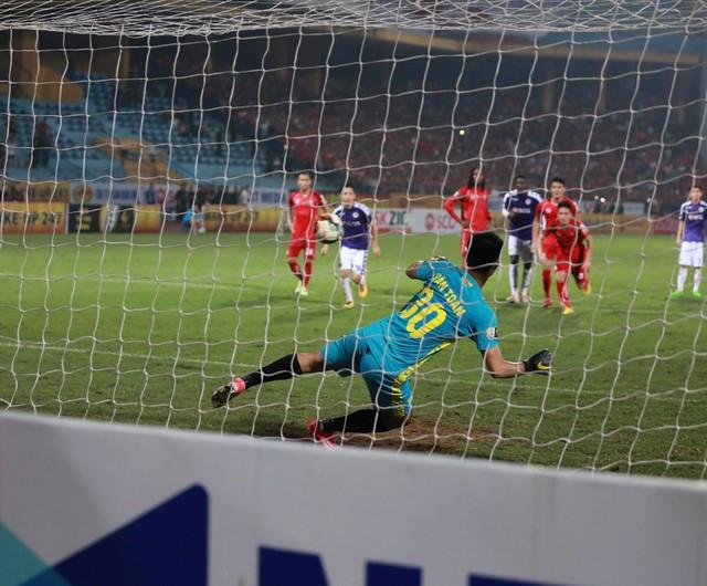 Ngược dòng ngoạn mục, Hà Nội FC đánh bại Hải Phòng ngay trên sân nhà - Ảnh 3.