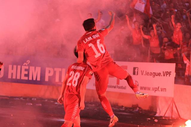 Ngược dòng ngoạn mục, Hà Nội FC đánh bại Hải Phòng ngay trên sân nhà - Ảnh 2.