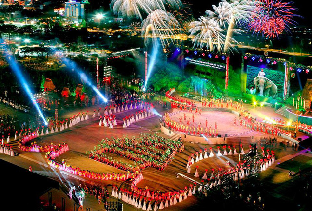 Khánh Hòa: Kêu gọi xã hội hóa tổ chức sự kiện Lễ Bế mạc Năm Du lịch Quốc gia 2019 và Lễ hội đếm ngược 2020 - Ảnh 1.