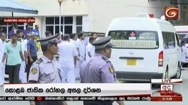 Đánh bom liên hoàn đẫm máu trong lễ Phục sinh tại Sri Lanka - Ảnh 1.