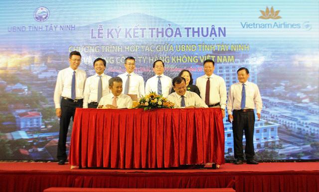 Tây Ninh hợp tác với Vietnam Airlines quảng bá thương hiệu điểm đến du lịch - Ảnh 1.